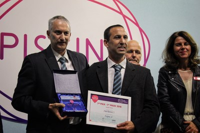 Maytronics Dolphin iO(TM) gana el 2018 Piscine Global Innovations Trophy